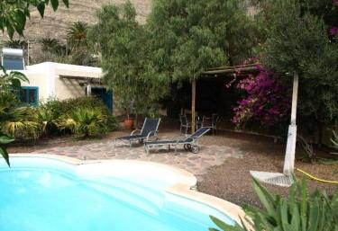 3 casas rurales con piscina en agaete for Casas rurales en gran canaria con piscina privada