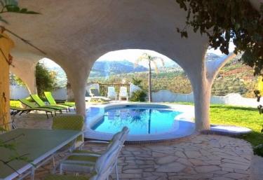 440 casas rurales con piscina en m laga for Casas con piscina en malaga