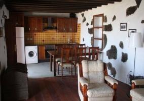 Acceso a la casa con la arquitectura tradicional
