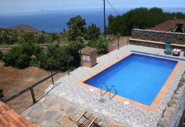 Casas rurales con piscina en garafia for Casas rurales con piscina en alquiler