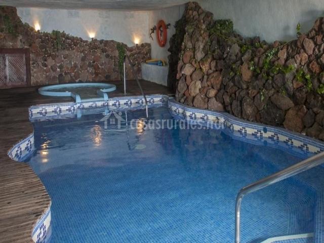 Finca vista bonita en san miguel de abona tenerife for Temperatura piscina climatizada