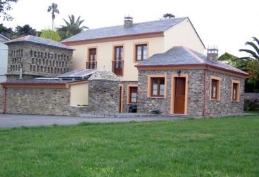 Apartamentos Rurales El Ciprés - Castropol, Asturias
