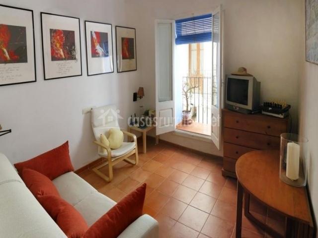 Iscola casas rurales en pe iscola castell n for Sala de estar rojo y blanco