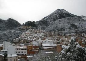 Zona centro con pueblo nevado