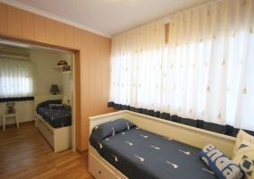 Dormitorio doble infantil conn dos camas