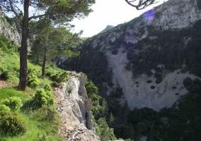 Zonas naturales con espacios naturales oara hacer rutas