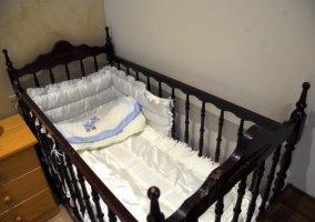 Dormitorio 1 con cuna