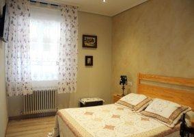 Dormitorio 1 con ventana