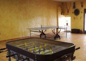 Sala de ocio con mesa de pingpong
