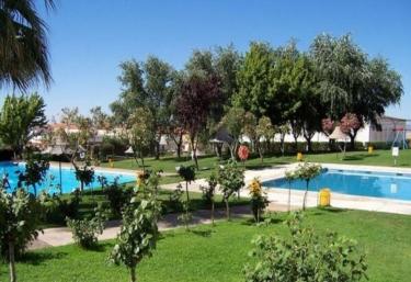 Casas rurales con piscina en campanario for Casas rurales en badajoz con piscina