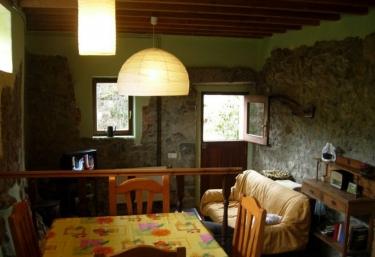 Casa Blanca Las Tablas - Debodes, Asturias