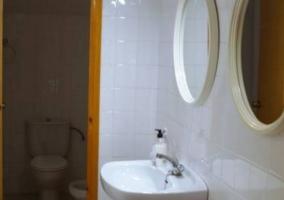 Aseo de la casa doble y con espejos redondos