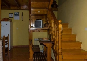 Escaleras de acceso a la planta de arriba