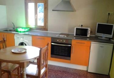 Casa Rubén- Apartamento El Nogal - Hospital De Tella, Huesca