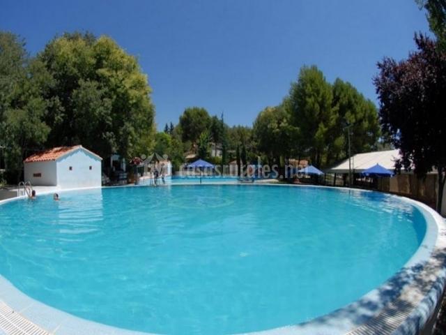 La veguilla apartamento 3 en arroyo del ojanco ja n for Complejo rural con piscina