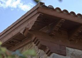 Vistas de las zonas exteriores con detalles en la fachada