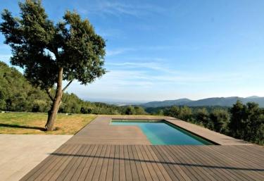 Casas rurales con piscina en santa coloma de farners for Casa rural girona piscina