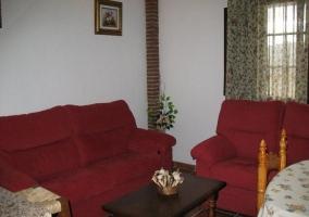Salón comedor con sofás