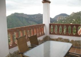 Vistas de la terraza con mobiliario