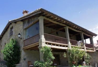 Mas La Serra Casa Rural En Rupit Barcelona