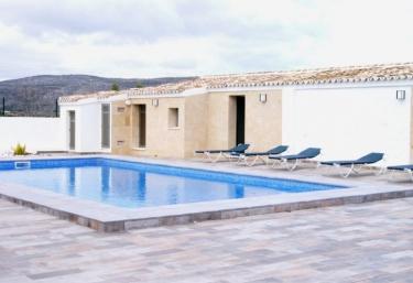 Casas rurales en teulada for Casas rurales alicante con piscina