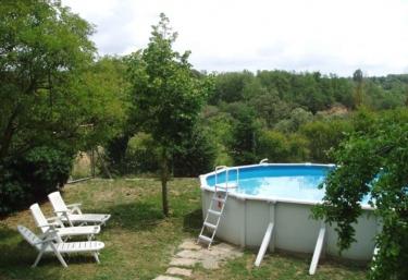 3 casas rurales con piscina en pinell de solsones for Casas rurales con piscina en alquiler