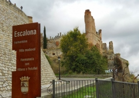 Vistas amplias del castillo