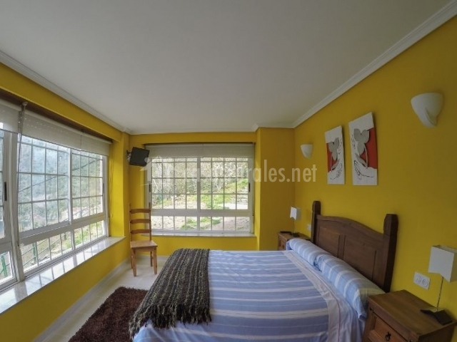Dormitorio Doble 1 en amarillo