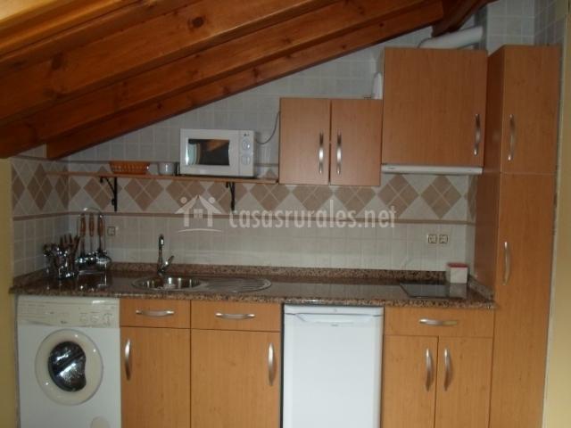 Apartamentos tur sticos casa pilar en nueva llanes for Muebles de cocina zona pilar