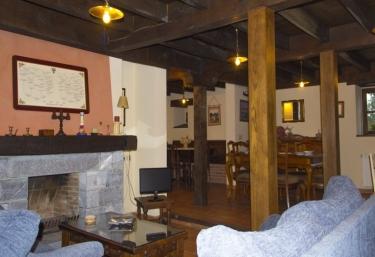 Casas rurales con chimenea en belmonte de pria for Casa rural con chimenea asturias