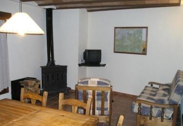 Can Tubau- Porxo 2 - Campelles, Girona
