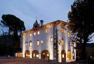 La Rectoria de Sant Miquel de Pineda - Sant Feliu De Pallerols, Girona