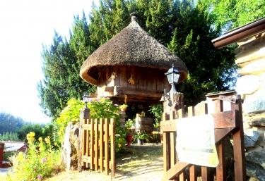 Villa Severina- Loureiro - Fonsagrada (Casco Urbano), Lugo