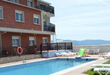 Casas rurales con piscina en raxo san gregorio for Casas rurales con piscina en alquiler