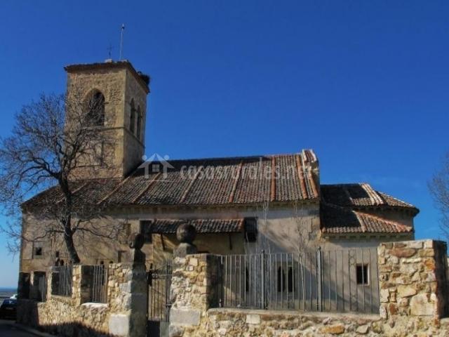 Zona de iglesia en Torrecaballeros,