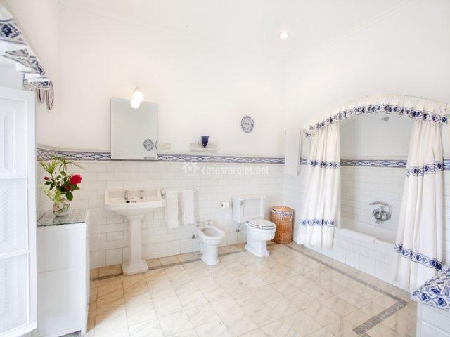 Baño grande de Casa Principal