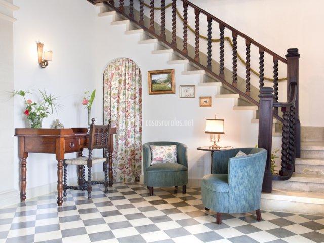 Hall y escalera de Casa Principal