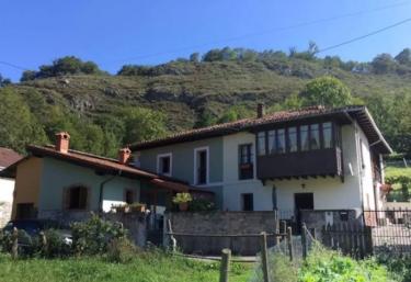 Casa Clarita - Caño (Cangas De Onis), Asturias