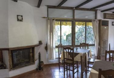Casas rurales con chimenea en azu bar - Chimeneas en castellon ...