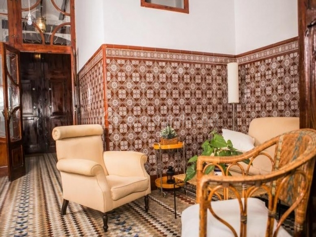 Casa puerta de valencia en alboraya valencia for Sala de estar antigua