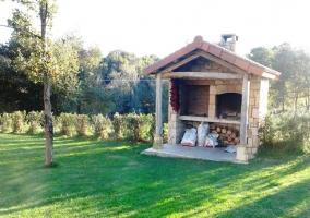 Barbacoa y horno de piedra