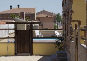 Vistas del patio de la casa comunicados con la piscina