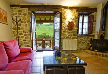 Rurales Los Brezos 3 - Cotillo De Anievas, Cantabria