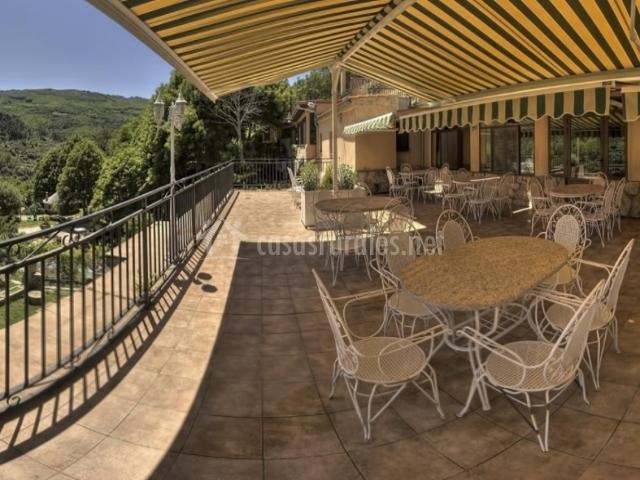 Casas rurales el solitario en ba os de montemayor c ceres for Casas rurales en caceres con piscina