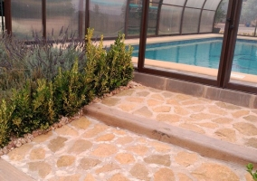 Vistas de la entrada a la piscina