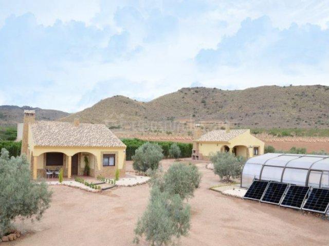 Casas los olivos de noja casa hojiblanca en fuente alamo for Complejo rural con piscina