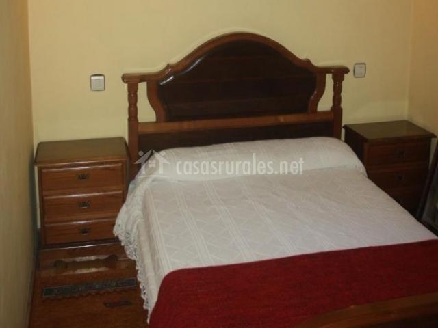 Casa pura rivera casa ritina en niembro asturias - Colchas dormitorio matrimonio ...