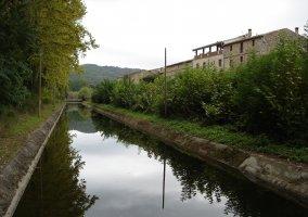 Canal frente Hotel