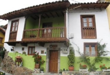 Crescencia 1 - Los Carriles (Llanes), Asturias