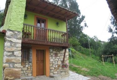 Crescencia 4 - Los Carriles (Llanes), Asturias